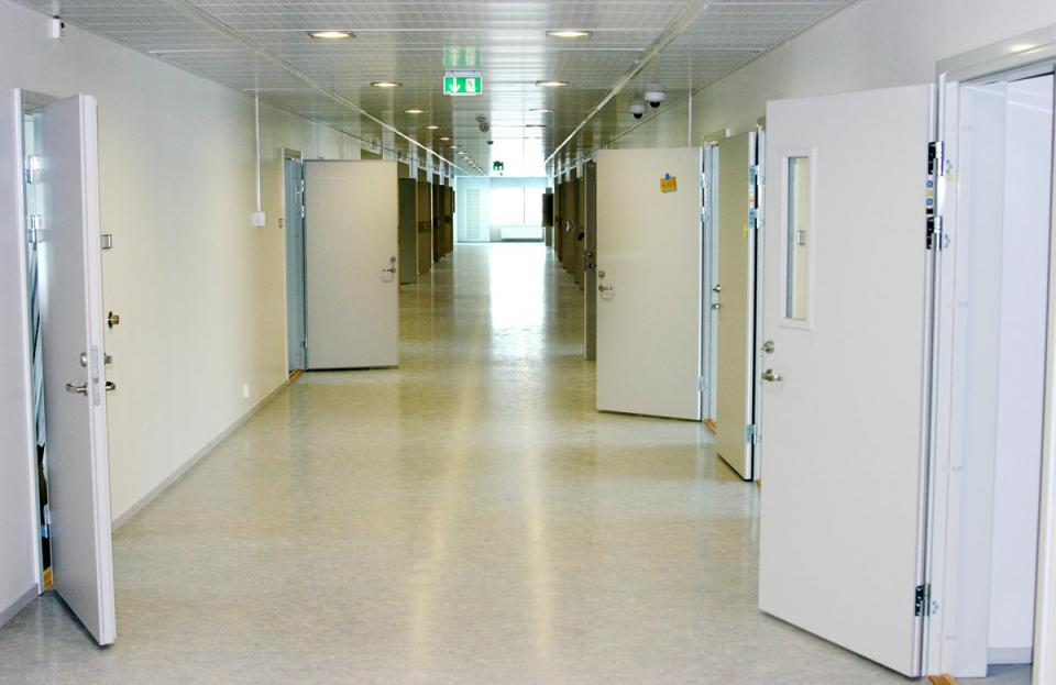 The interior of Halden Prison in Norway, considered one of the most humane prisons in the world. Photo by Justis- og beredskapsdepartementet via Wikimedia Commons. Used under CC 2.0.